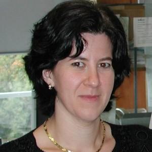 Dr Eva Jakab-Toth